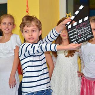 szkolne przedstawienie