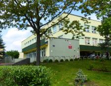 Budynek szkoły nr 321 na warszawskim Bemowie
